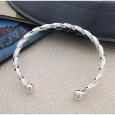 01b8e6f82e41 Gents Solid Silver Twisted Torque Bangle