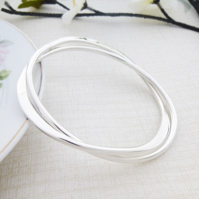 Venus solid silver bangle