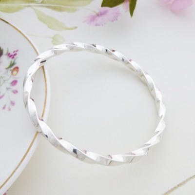 Imogen twisted silver bangle