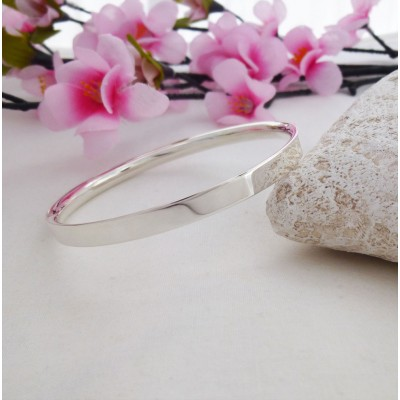 Darla large silver bangle