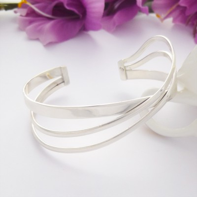 Bruna ladies sterling silver bangle in a cuff style