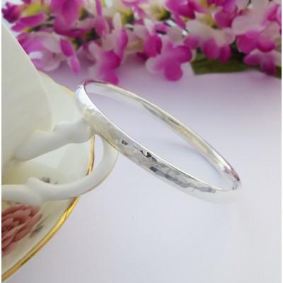 Edie personalised hammered bangle