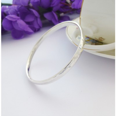 Edie personalised hammered bangle