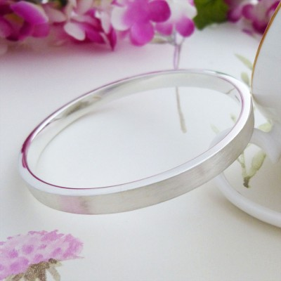 Elsa Extra Large Frosted Bangle