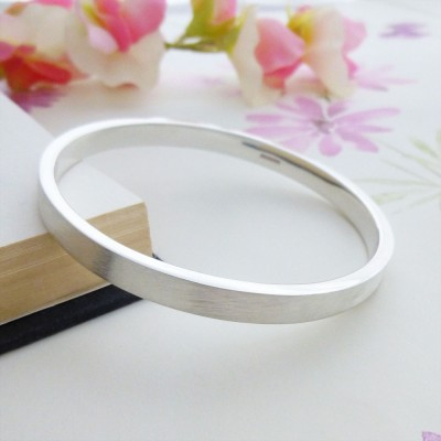 Elsa frosted silver bangle