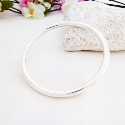Isabeau Extra Small Solid Bangle