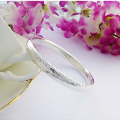 Kelly large wrist engravable silver bangle