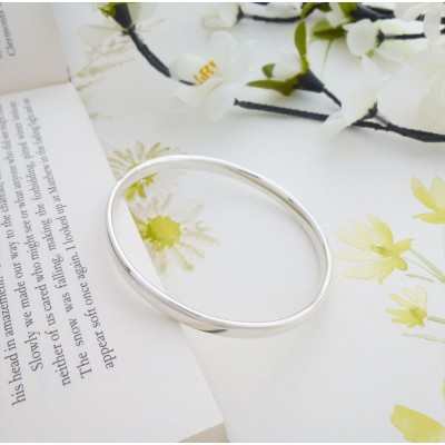 Malia Large Oval Section Bangle