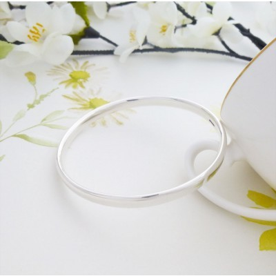 Malia Extra Small Oval Bangle