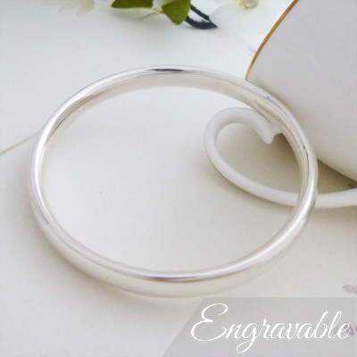 Mya small silver bangle
