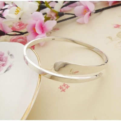 Odessa open silver bangle