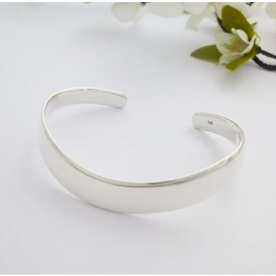 Sapphire silver torque