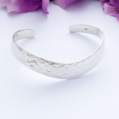 Savannah sterling silver bangle