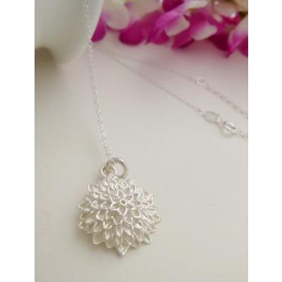 Nanala Sunflower Pendant Necklace