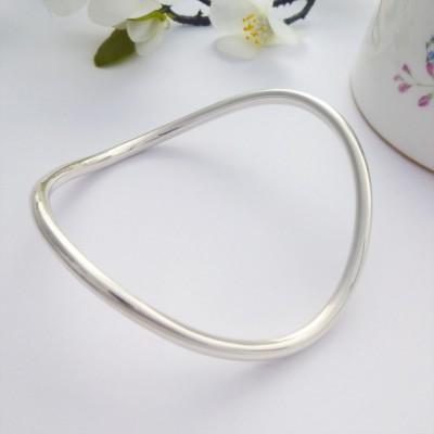 Tallulah solid silver bangle