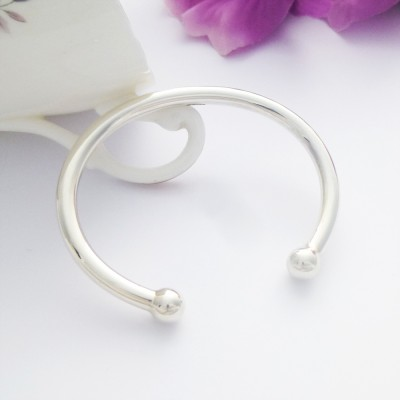 Solid 925 sterling silver traditional torque bangle