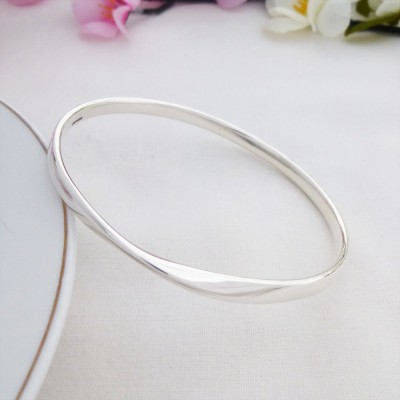 Trixie large silver bangle