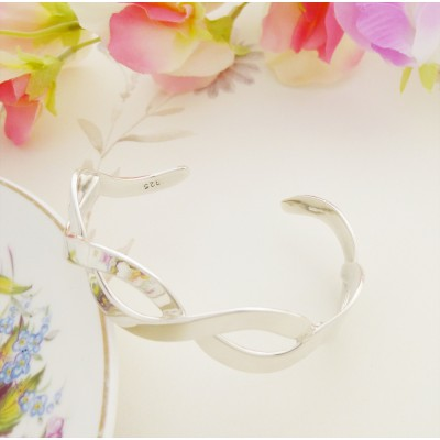 Willow silver bangle