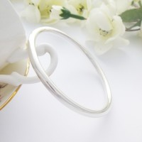 Isabeau Solid Silver Bangle