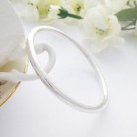 Isabeau Large Solid Silver Bangle