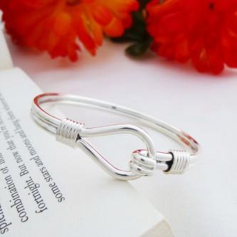 Alice heavy loop silver bangle