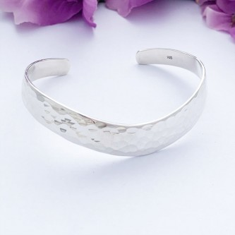 Savannah sterling silver bangle